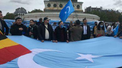 Photo de Des milliers de personnes manifestent à Paris contre la violation des droits de la Chine au Xinjiang
